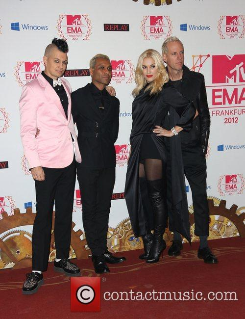 Adrian Young, Tony Kanal, Gwen Stefani, Tom Dumont and No Doubt