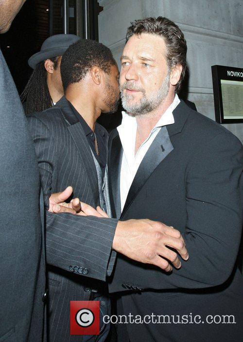 Russell Crowe and Cuba Gooding Junior 5