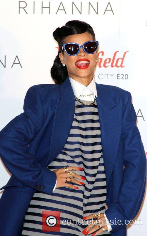 Rihanna, Christmas and Westfield Stratford 10
