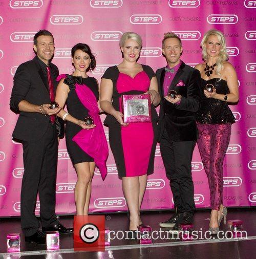 Lee Latchford-evans, Lisa Scott-lee, Claire Richards, Ian, H' Watkins, Faye Tozer and Cafe De Paris
