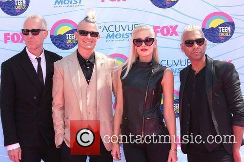 Dumont, Adrian Young, Gwen Stefani, No Doubt and Gibson Amphitheatre
