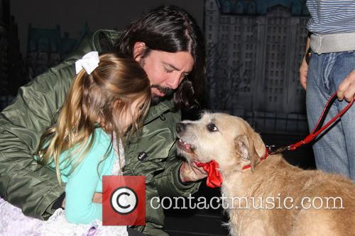 Dave Grohl, Harper Grohl and Sunny 2