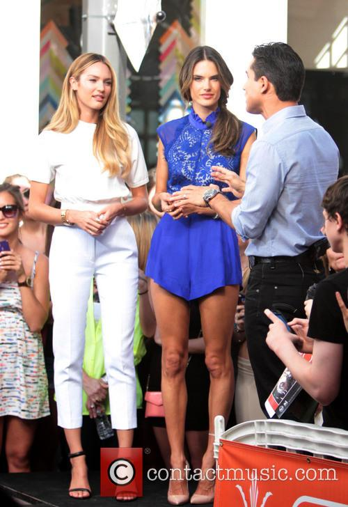 Candice Swanepoel, Alessandra Ambrosio and Mario Lopez 4