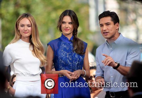 Candice Swanepoel, Alessandra Ambrosio and Mario Lopez 7