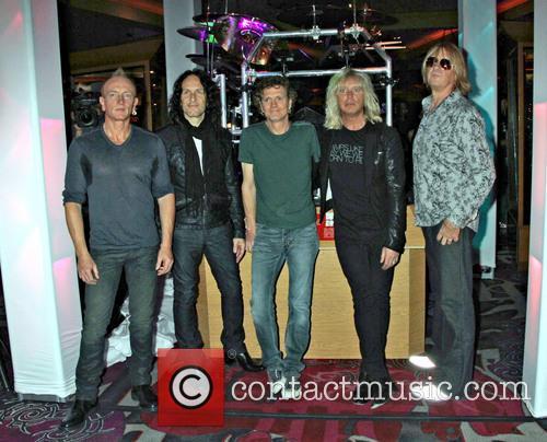 Def Leppard, Phil Collen, Vivian Campbell, Rick Savage, Rick Allen and Joe Elliott 4