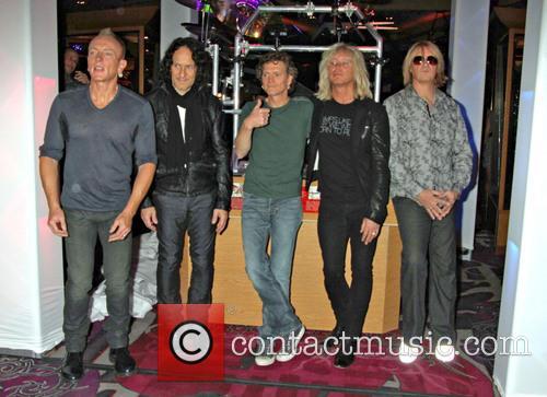 Def Leppard, Phil Collen, Vivian Campbell, Rick Savage, Rick Allen and Joe Elliott 7
