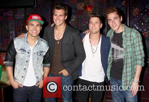 Carlos Roberto Pena Jr., James Maslow, Logan Henderson, Kendall Schmidt and Big Time Rush 7