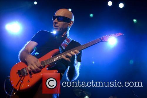 Joe Satriani 4