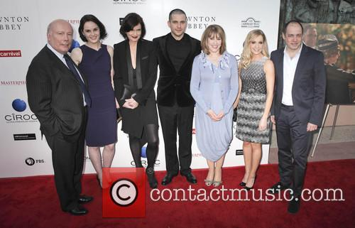 Julian Fellowes, Michelle Dockery, Elizabeth Mcgovern, Rob James-collier, Phyllis Logan, Joanne Froggatt and Gareth Neame 2
