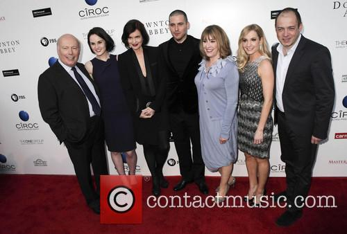 Julian Fellowes, Michelle Dockery, Elizabeth Mcgovern, Rob James-collier, Phyllis Logan, Joanne Froggatt and Gareth Neame 4