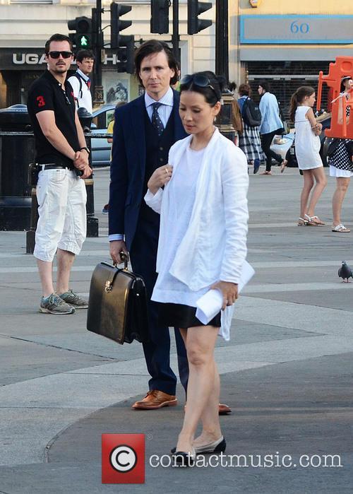 Jonny Lee Miller and Lucy Liu 1