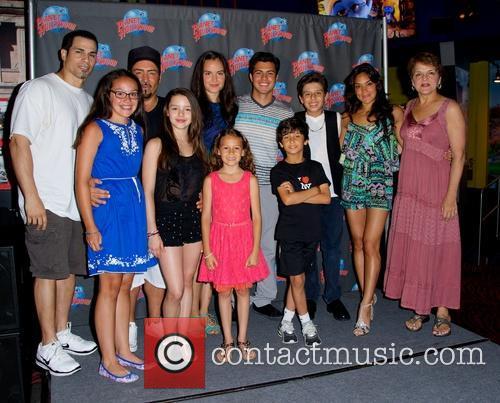 Joey Dedio, Frankie Faison, Fatima Ptacek, Gabriella Fanuele and David Castro 9