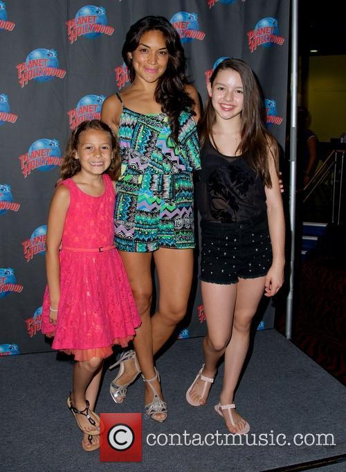 Nicolette Pierini, Jene Hernandez and Fatima Ptacek 2