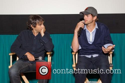 Joshua Michael Stern and Ashton Kutcher 4