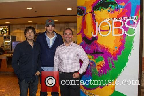 Joshua Michael Stern, Ashton Kutcher and Owen Thomas 7