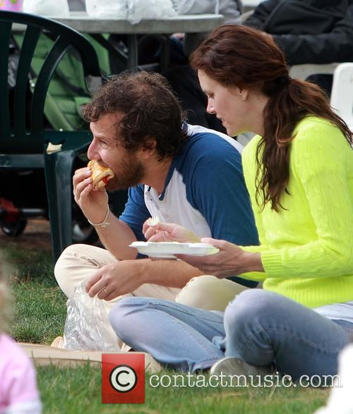 Ione Skye and Ben Lee 8