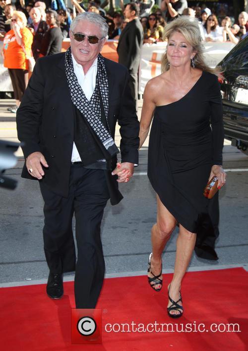 Tom Berenger and Laura Moretti