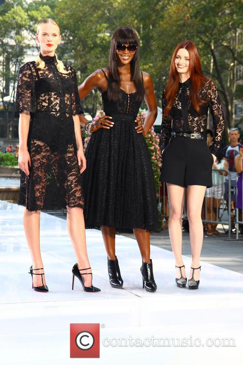 Naomi Campbell, Lydia Hearst and Anne V 5