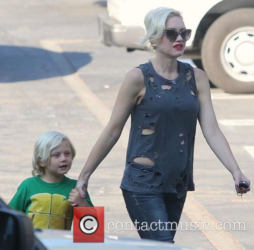 Gwen Stefani and Zuma 11