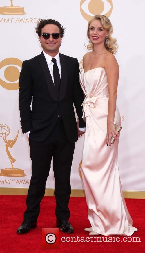 Johnny Galecki and Kelli Garner 6