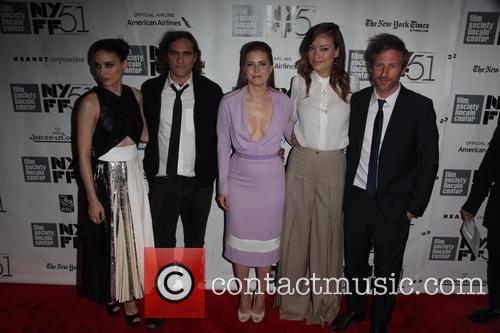 Rooney Mara, Joaquin Phoenix, Amy Adams, Olivia Wilde and Spike Jonze 9