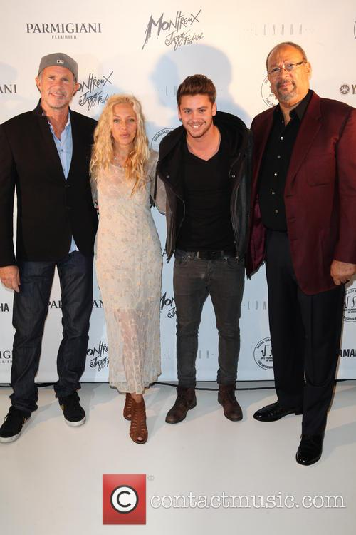 Chad Smith, Wendy Oxenhorn, Bastian Baker and Richard Parsons 4