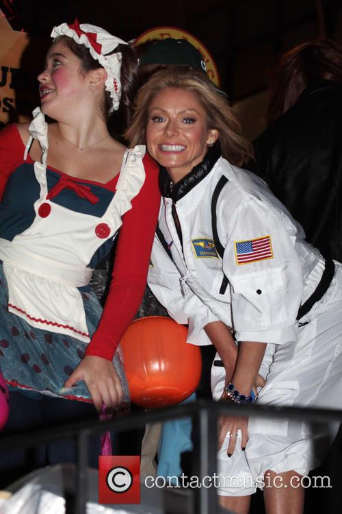 Kelly Ripa and Lola Grace Consuelos 1