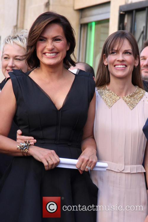 Mariska Hargitay and Hilary Swank 2