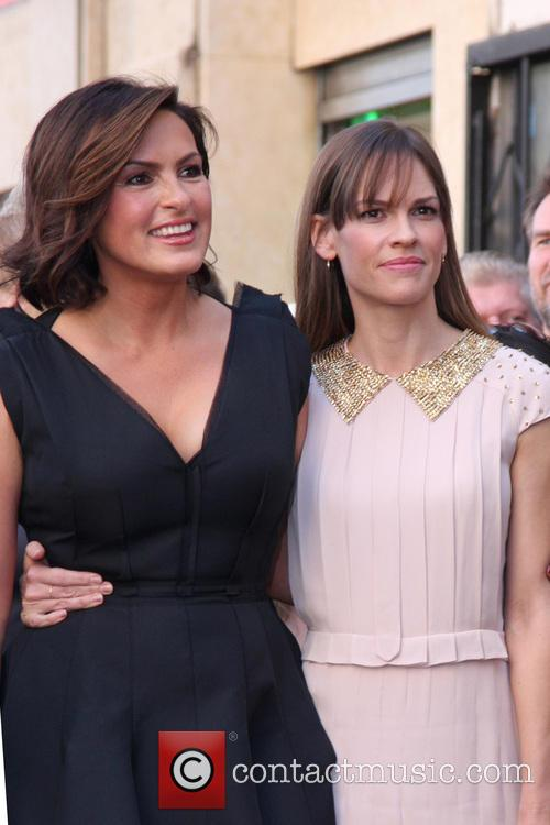 Mariska Hargitay and Hilary Swank 11