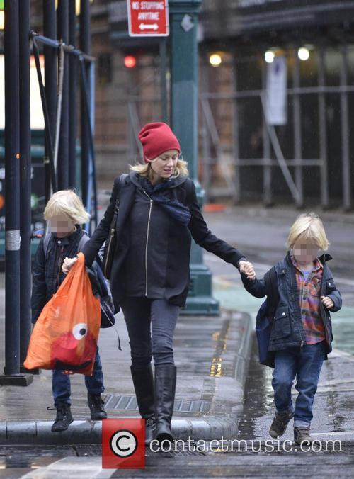 Naomi Watts, Samuel Schriber and Sasha Schriber 4