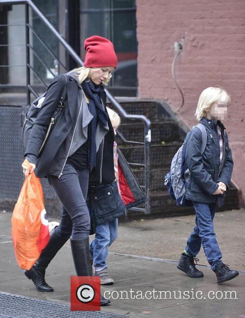 Naomi Watts, Samuel Schriber and Sasha Schriber 5