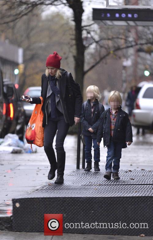 Naomi Watts, Samuel Schriber and Sasha Schriber 8