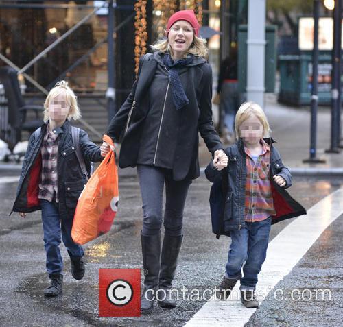 Naomi Watts, Samuel Schriber and Sasha Schriber 9