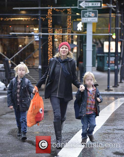 Naomi Watts, Samuel Schriber and Sasha Schriber 1