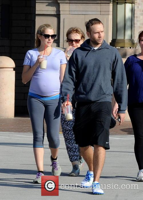 Teresa Palmer, Paula Sanders and Mark Webber 9