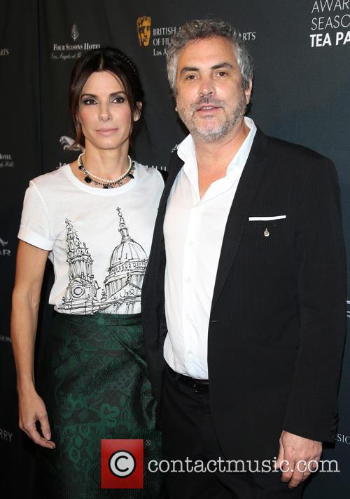 Sandra Bullock and Alfonso Cuaron 6
