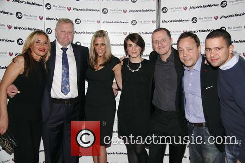 (l-r) Melanie Blatt, Guest, Nicole Appleton, Vicky Mcclure, Stephen Graham and Guest