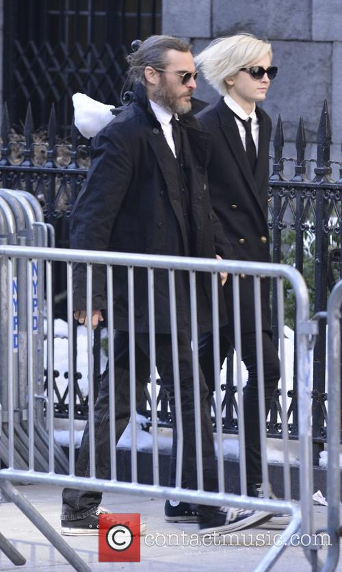Joaquin Phoenix and Allie Teilz 3