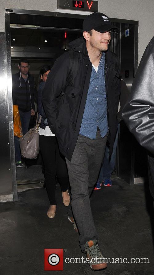 Ashton Kutcher and Mila Kunis 4