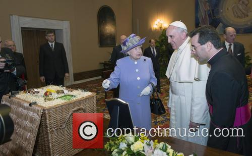 Queen Elizabeth Ii and Pope Francis 2