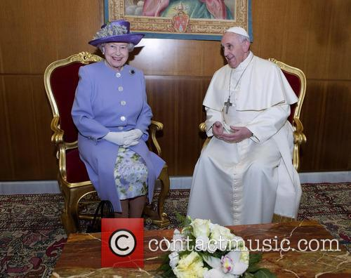 Queen Elizabeth Ii and Pope Francis 7
