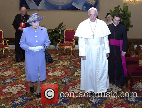 Queen Elizabeth Ii and Pope Francis 11