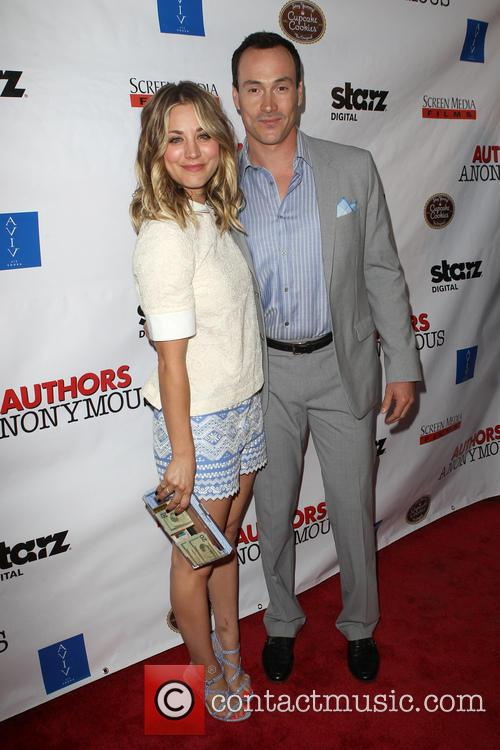 Kaley Cuoco-sweeting and Chris Klein