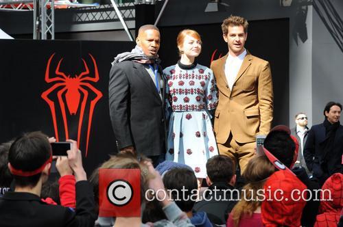 Jamie Foxx, Andrew Garfield and Emma Stone 4