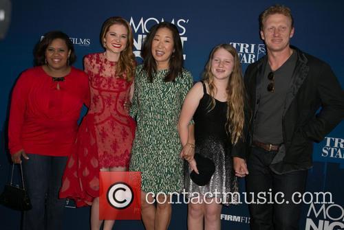 Chandra Wilson, Sarah Drew, Sandra Oh, Guest and Kevin Mckidd