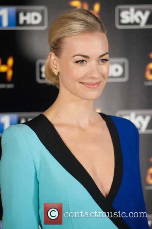 Yvonne Strahovski 2