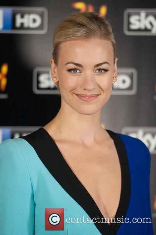 Yvonne Strahovski 10