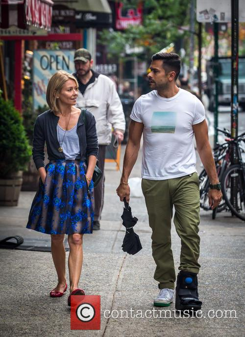 Kelly Ripa and Mark Consuelos 3