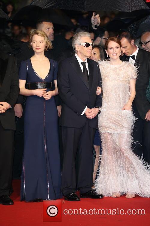 Mia Wasikowska, Julianne Moo and David Cronenberg