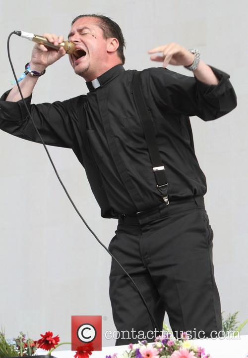 Mike Patton and Faith No More 4